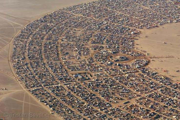 skateboarding, BMX, Mixed Martial Arts aka MMA, etc). Figure 6 : Burning Man 2006 (Black Rock