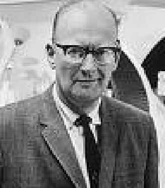 MECHANOEVOLUTIONISTS: Arthur C. Clarke Over thirty Sci-fi novels between 1951 and present A space elevator: 1960s