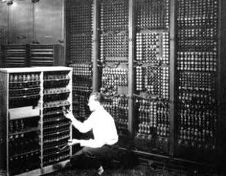 COBOL (Common Busines Oriented Language). fig. 7 fig. 6 ENIAC (Electronic Numerical Integrator and Computer) –