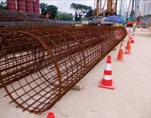 HOUSEKEEPING Stoppers were placed to prevent the rebar cages from rolling over to the pedestrian pathway