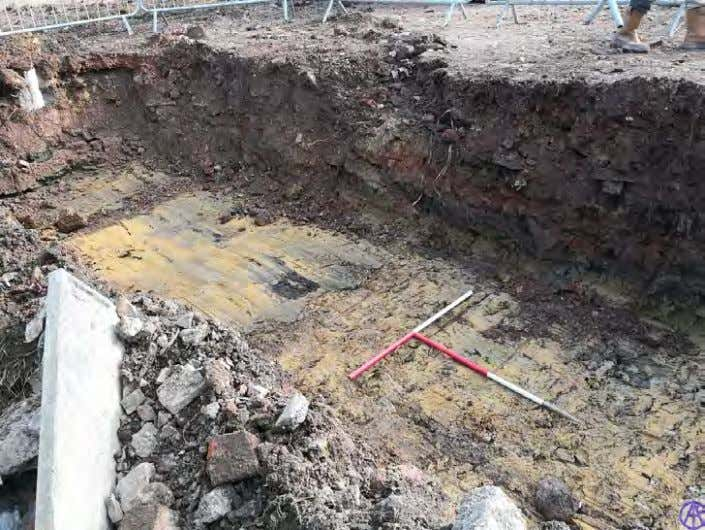 west showing general shot of foundation trench. Scale 2x1m Plate 14: View south east showing general