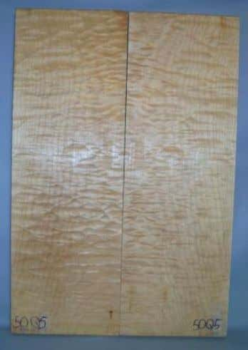Ref.:49Q3 Maple Quilted padrão AAA 590x350x10mm R$270,00 Ref.: 50Q5 Maple Quilted padrão AAAAA 615x420x27mm R$490,00
