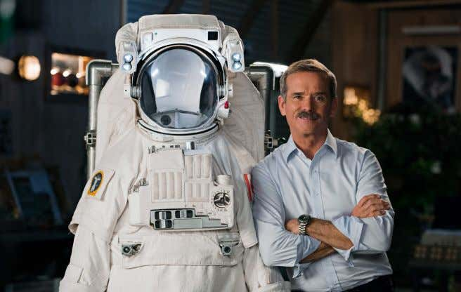 ABOUT CHRIS HADFIELD INTRODUCTION ABOUT THIS WORKBOOK The MasterClass team has created this workbook as
