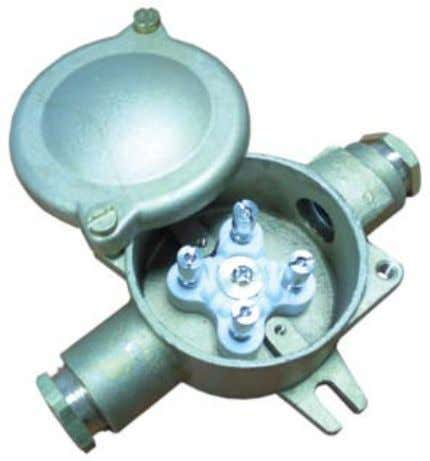 Non-Ventilated Junction Box TECHNICAL SPECIFICATIONS Housing Material Brass Ground Terminal Brass/Stainless
