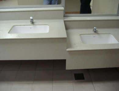 The basins system at public toilet in Gurney Plaza is quite same as at public toilet